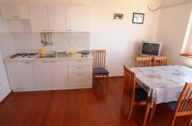 stue med kjøkkenkrok