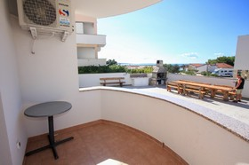 Balkon s posezením
