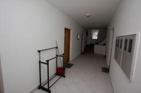Chodba před apartmány ve druhém patře