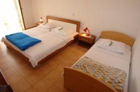 první ložnice apartmánu