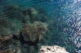 Průzračně čisté moře