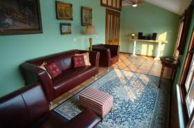 Obrazy v obývacím pokoji