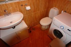 Samostatné WC a pračka