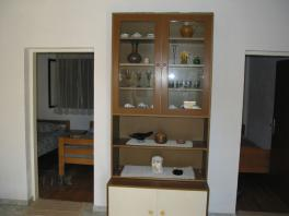Detail vybavení v obývácím pokoji v přízemí