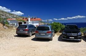 Parkování 200 m nad domem pro vyložení zvazadel
