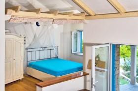 Pohled na manželskou postel