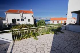 Terasa s výhledem na moře a pevninu