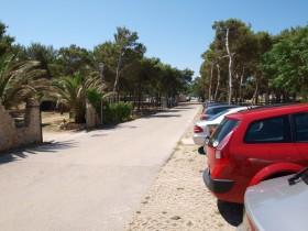 Cesta k pláži od domu