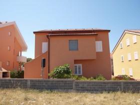 Zadní strana domu