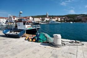 Pohled z přístavu na město