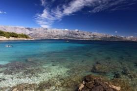 Výhled na Makarskou rivieru a ostrov Hvar