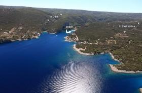 Letecký pohled na zátoku Pokrivenik