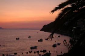 Západ slunce v letovisku Komarna