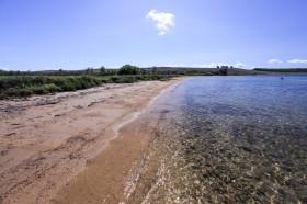 Píseční pláž za letoviskem