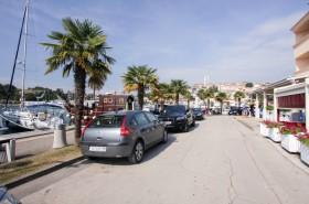 Parkování u přístavu