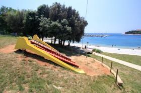 Hřiště u pláže