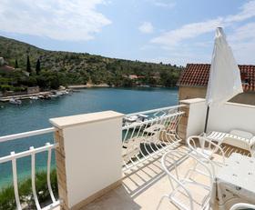 Balkon s výhledem na moře a okolí