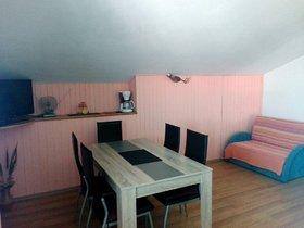 Obývací pokoj spojený s jídelnou
