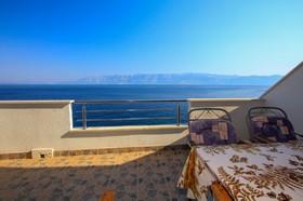 Výhled na moře z terasy