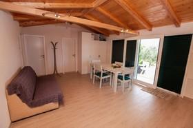 Obývací pokoj s rozkládacím lůžkem
