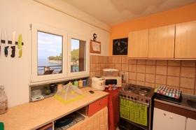 Kuchyňský kout s výhledem na moře