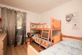 Patrová postel a samostatné lůžko ve třetí ložnici