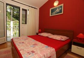 Druhá ložnice s manželskou postelí